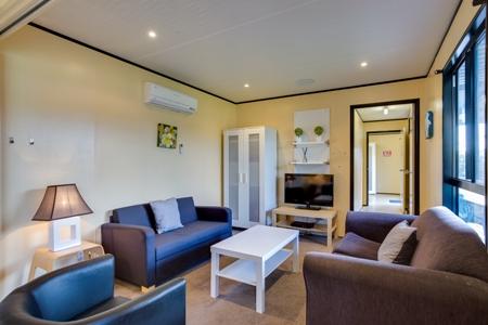 spa suite living 2